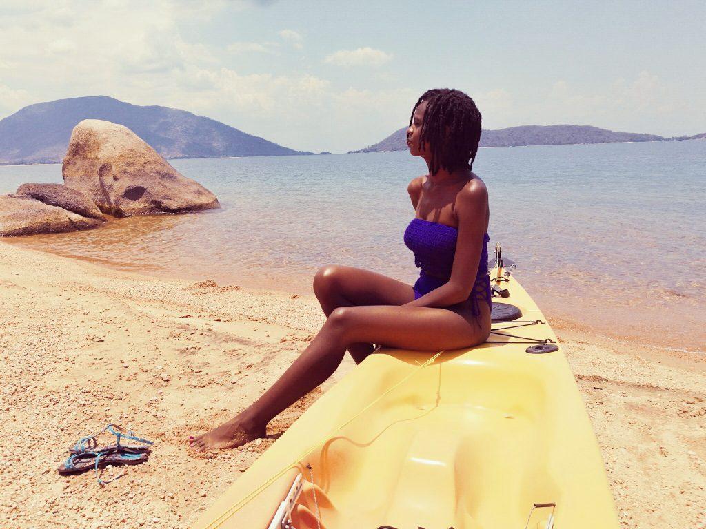 Travel solo in Domwe Island, Mala