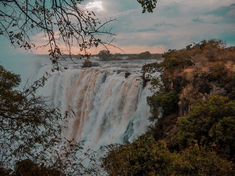 Victoria falls high season
