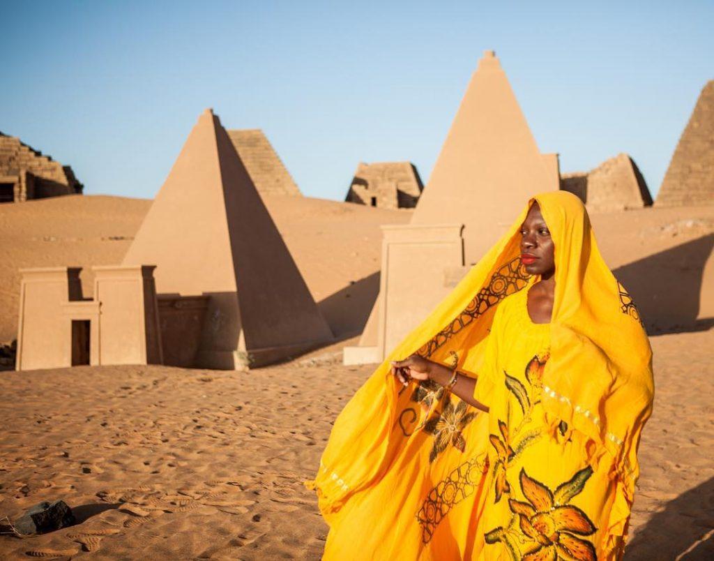 Jessica Nabongo, @thecatchmeifyoucan in Meroe, Egypt