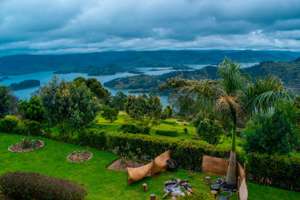 Lake Bunyonyi in Uganda is located near the Rwandan Border