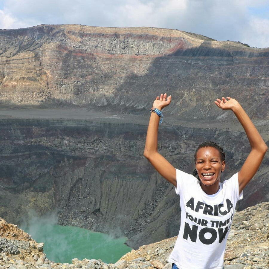 FEATURED FULLTIMETRAVELER: DINEO ZONKE MADUNA| THE AFRICAN FULL TIME TRAVELER THAT QUIT HER JOB TO TRAVEL THE WORLD