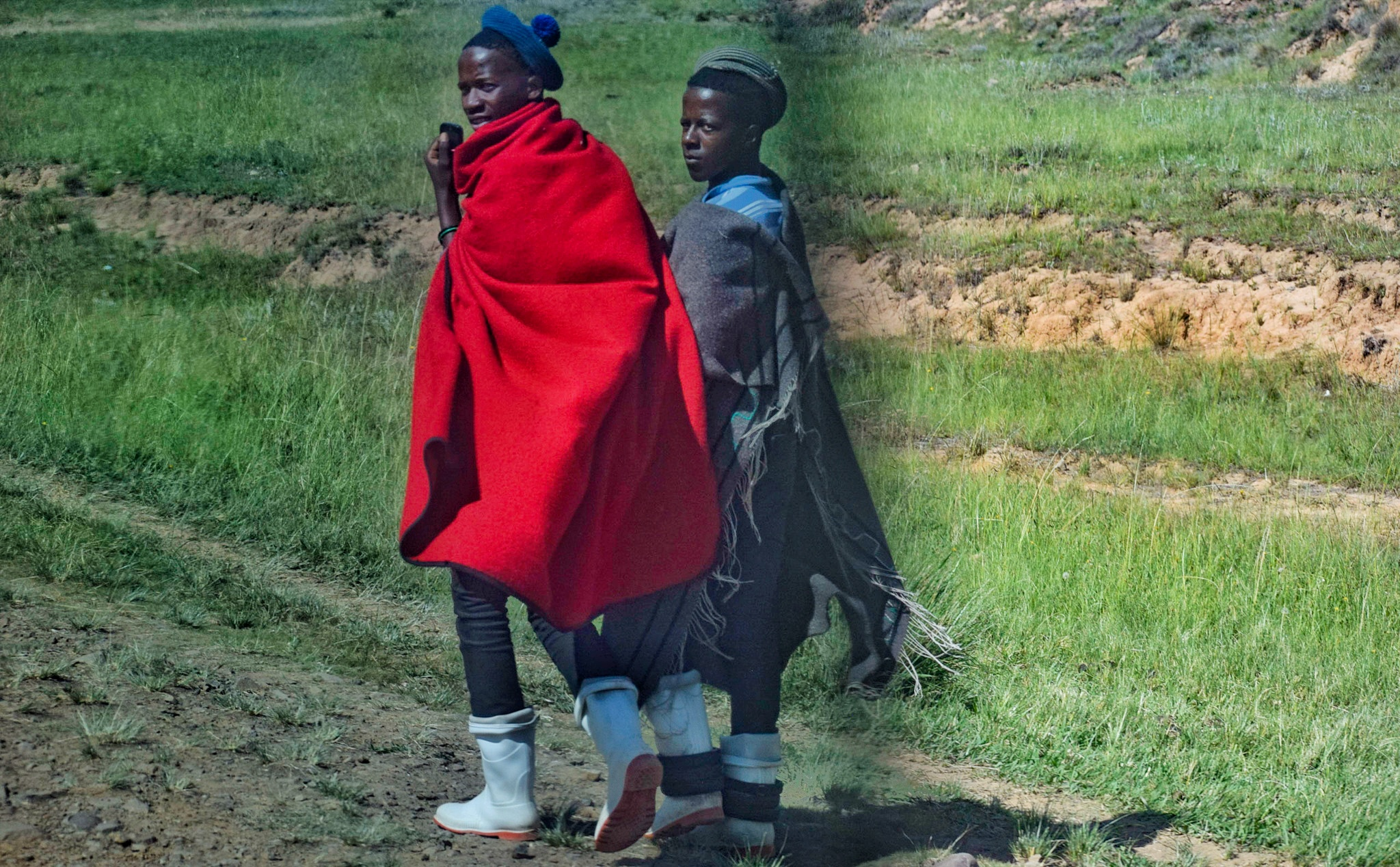 A kenyan girl in LESOTHO: traveling from South Africa to Lesotho by road