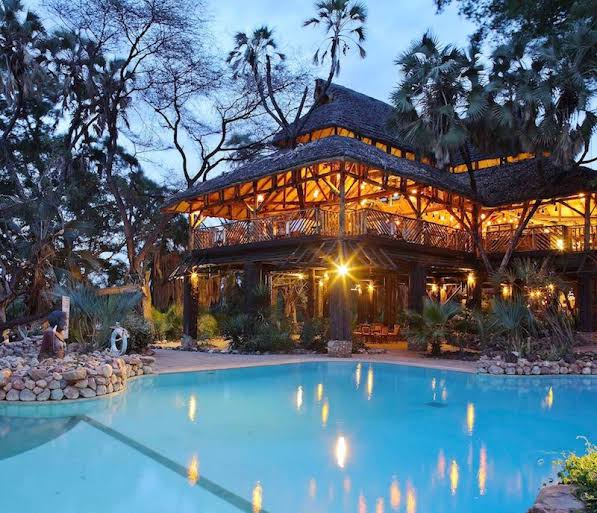 Who pays for +6 Romantic Getaway ideas in Kenya